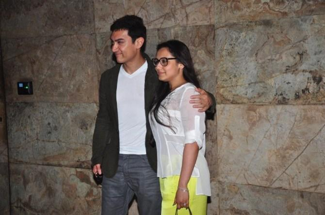 Aamir Pose With Rani At Special Screening Of Ship Of Theseus