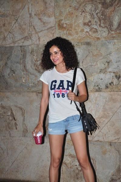 Kangana Ranaut Snapped At The Screening Of Ship Of Theseus At Aamir And Kirans Home
