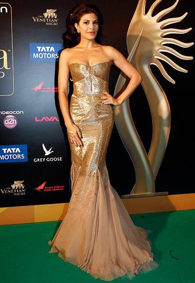Jacqueline Fernandez Wore A Gorgeous Strapless Gown During 14th IIFA Awards 2013