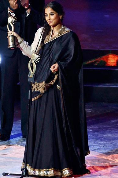 Vidya Balan Won IIFA 2013 Award For Kahani