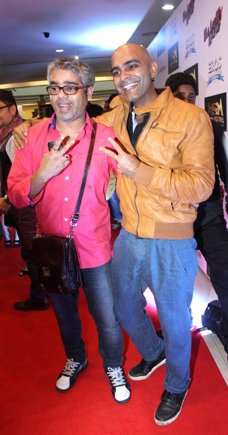 Shashant Shah And Raghu Ram Cool Smiling Pose During The Premiere Of Bajatey Raho Movie