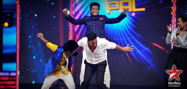 Akshay And Riteish Copy Akshay Pal Dance Step On IDS Grand Finale Stage