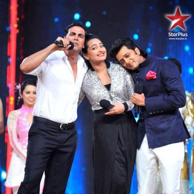 Riteish,Akshay And Sonakshi Fun Still During IDS Grand Finale