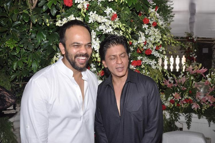 Rohit And SRK Nice Posed During The Celebration Of Eid At SRK's Bungalow Mannat