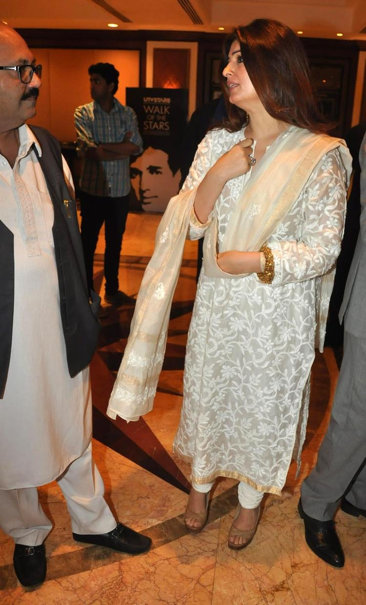 Twinkle Khanna During Her Father Rajesh Khanna's Statue Launch Event