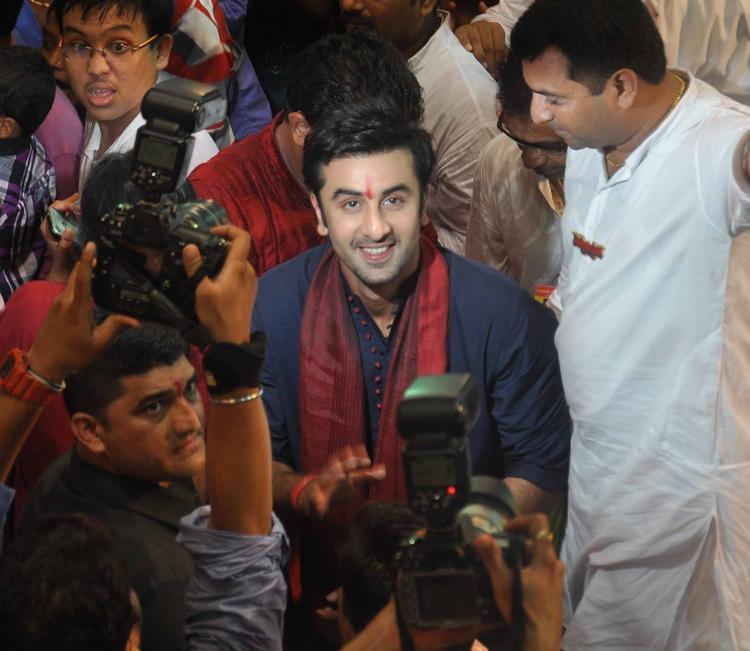 Ranbir Kapoor Cute Smiling At Lalbaugcha Raja Ganpati Pandal