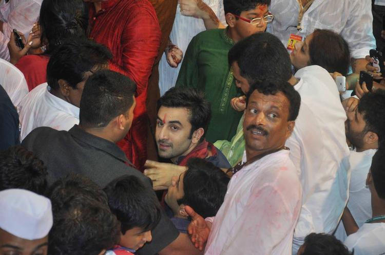 Ranbir Kapoor Nice Look At Lalbaugcha Raja Ganpati Pandal