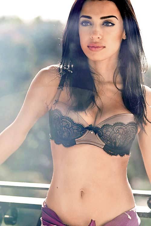 Jasmine Sexy And Spicy Navl Exposing Photo Shoot