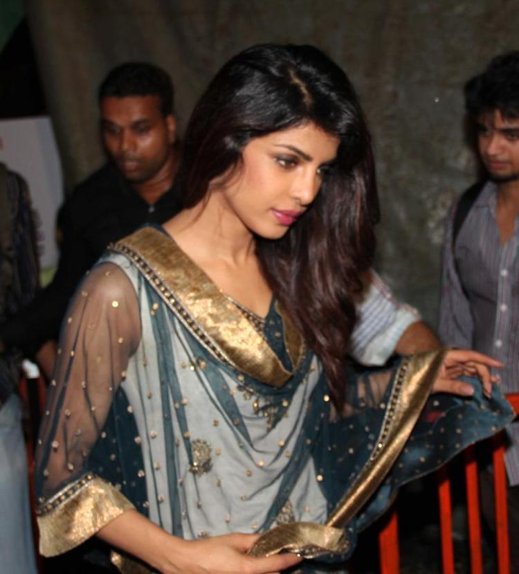 Priyanka Chopra Glamour Look At Ganapati Andheri Cha Raja 2013