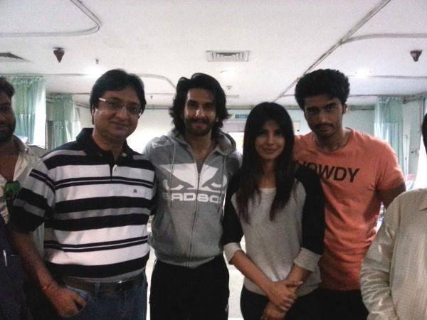 Ranveer,Priyanka And Arjun Clicked At The Mission Hospital In Durgapur