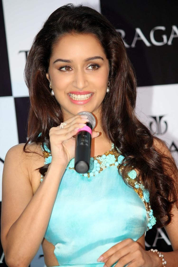 Shraddha Kapoor Smiling Look At The Launch Of Raga Pearls Collection Of Watches