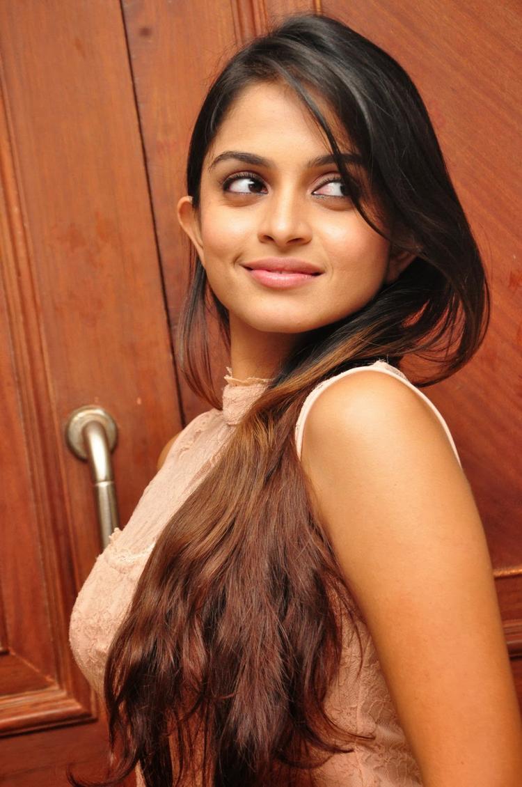 Sheena Shahabadi Flaunt Hair Style Cool Look During The Logo Launch Of Nuvve Naa Bangaram Movie