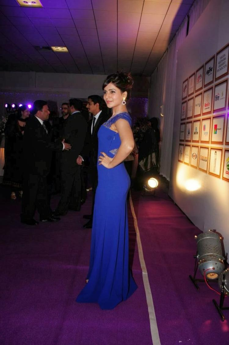 Samantha In Blue Gown During Food For Change Charity Event
