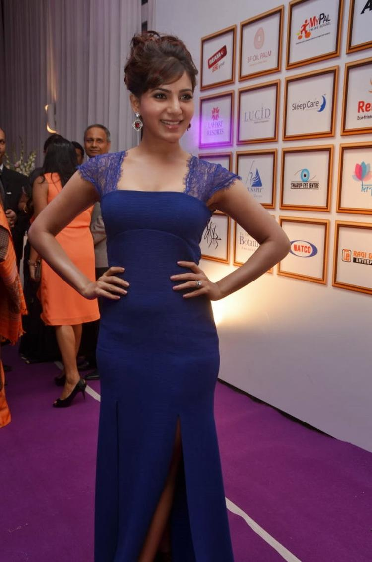 Samantha Looks Hot In Highcut Blue Gown At Food For Change Charity Event