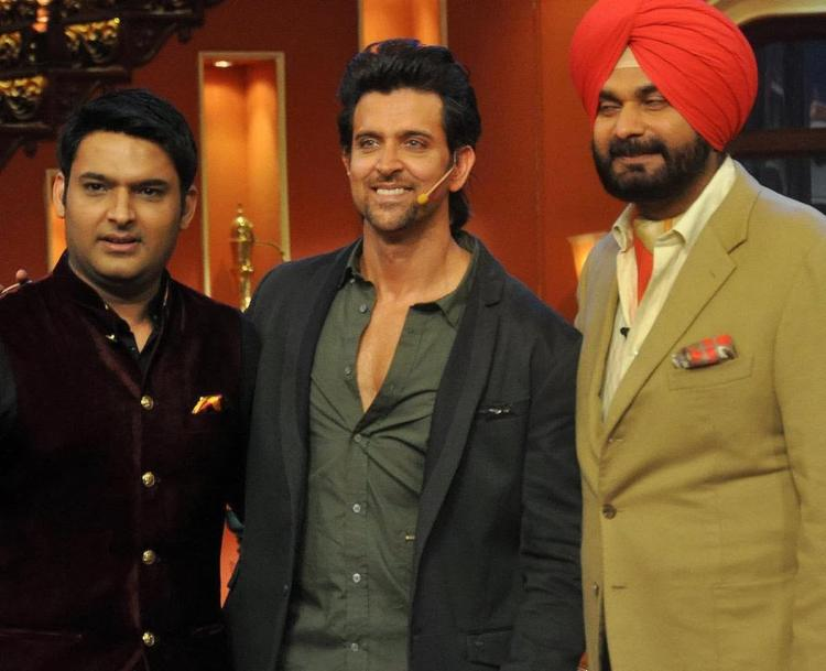 Hrithik Roshan Promotes Krrish 3 Alone On Comedy Nights With Kapil
