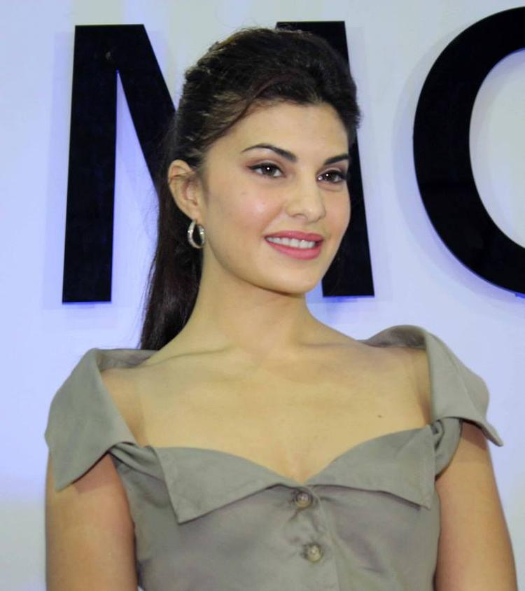 Jacqueline Fernandez  In A Sexy Beige Colour Outfit At The Autocar Performance Show 2013