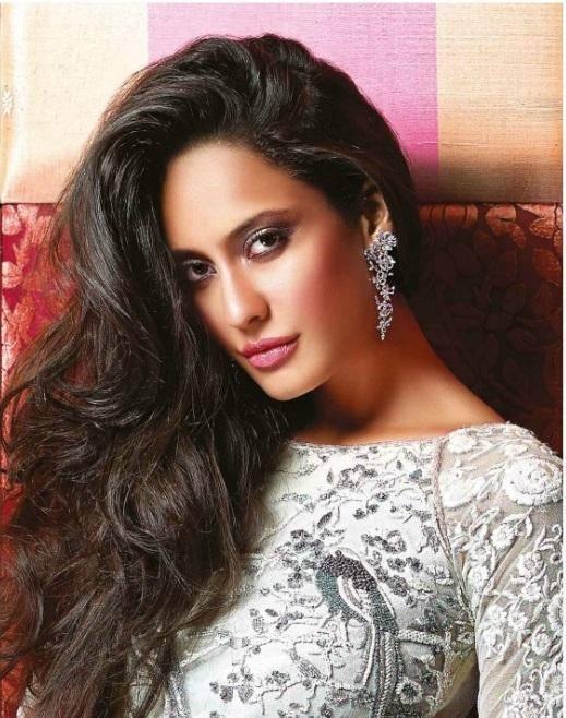 Bollywood Actress Lisa Haydon's Noblesse Magazine November 2013 Photoshoot