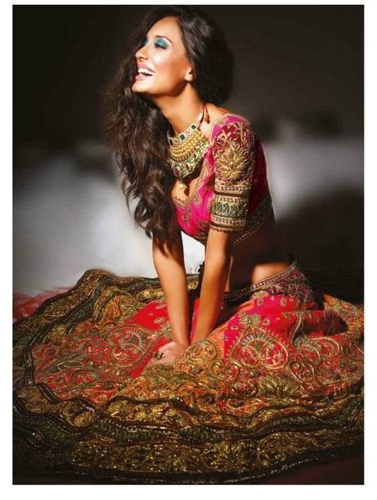 Lisa Haydon Open Smile And Gorgeous Look On The Cover Of Noblesse Magazine