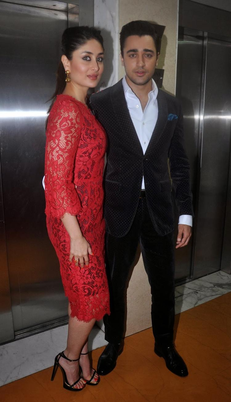 Imran And Kareena Pose On The Sets Of KBC 7 For Their Film GTPM Promotion