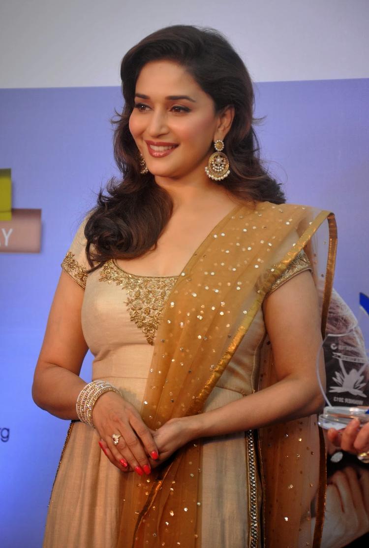 Madhuri Looking So Gorgeous At Sanofi's Diabetes Awareness Event