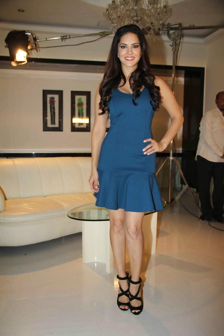 Sunny Leone Sexy Look Posed At MTV Webbed TV Series Photo Shoot