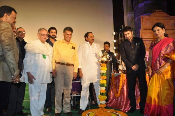 Gulzar,Ranbir And Others Posed During Lighting The Lamp At The Inauguration Of The 18th ICFFI