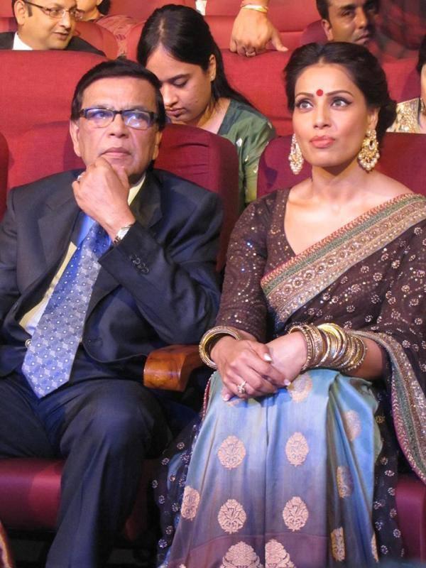 Bipasha Basu Close Up Pic At The Kolkata International Film Festival