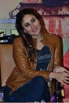 Kareena At A Press Conference In Kolkata To Promote GTPM