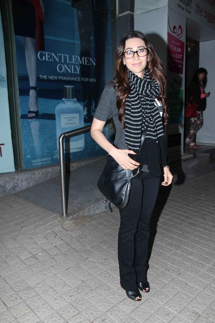 Beautiful Karishma At Special Screening Of Gori Tere Pyaar Mein