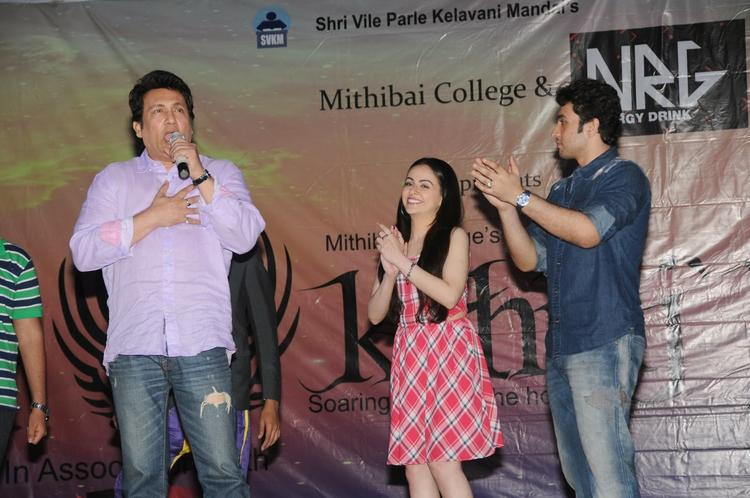 Shekhar,Ariana And Adhyayan Cool Look On The Stage During The Promotion Of Heartless Movie At Mithibai College Kshitij Festival