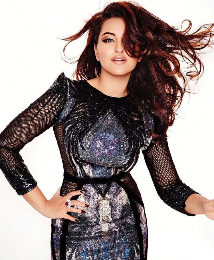 Pretty Sonakshi Sinha Stunning And Nice Pose For L'Officiel Covers 2013