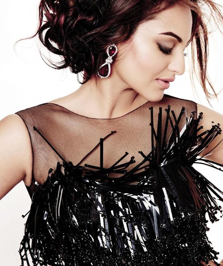 Sonakshi Sinha Romantic Pose Amazing Shoot For L'Officiel Covers 2013