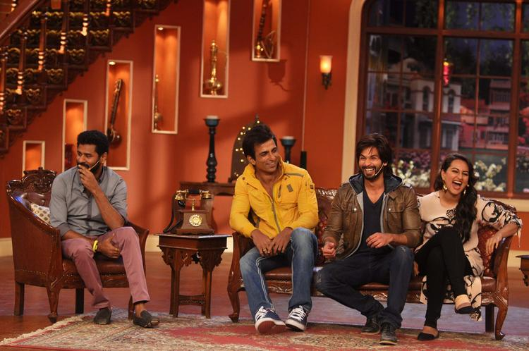 The Cast Of R...Rajkumar Were On Comedy Nights With Kapil Topromote Their Film