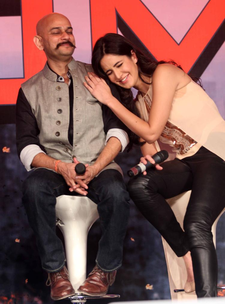 Katrina Shares A Cool Moment With Vijay Krishna During The  Press Conference Of Dhoom 3