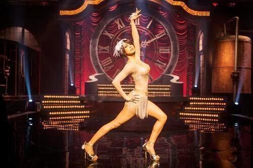 Priyanka Chopra's Cabaret Look In Gunday Remind Us Of Helen