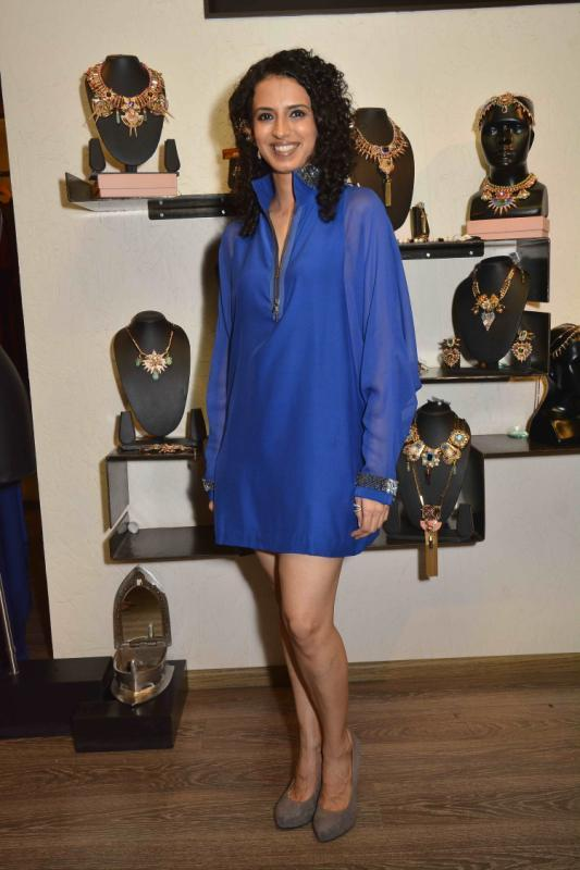 Aparna Badlani Cool Look In Blue Dress At Amit Agarwal Collection Preview Event