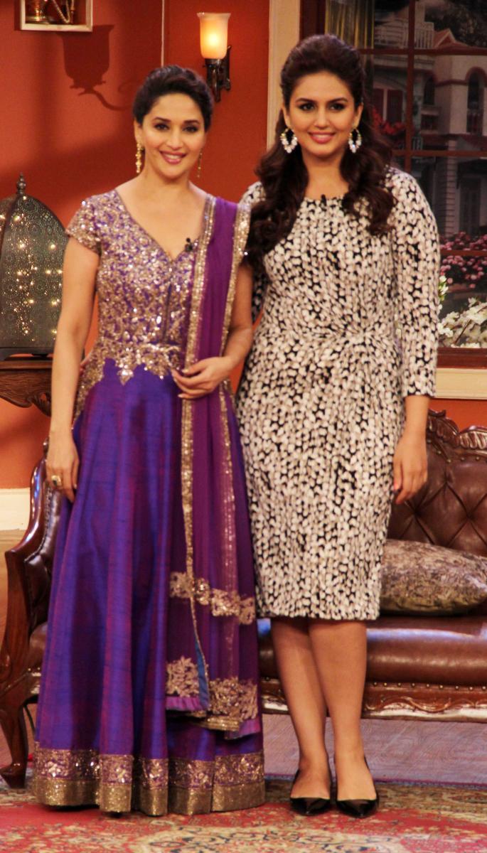 Huma And Madhuri Promote Dedh Ishqiya At Comedy Nights With Kapil Sets