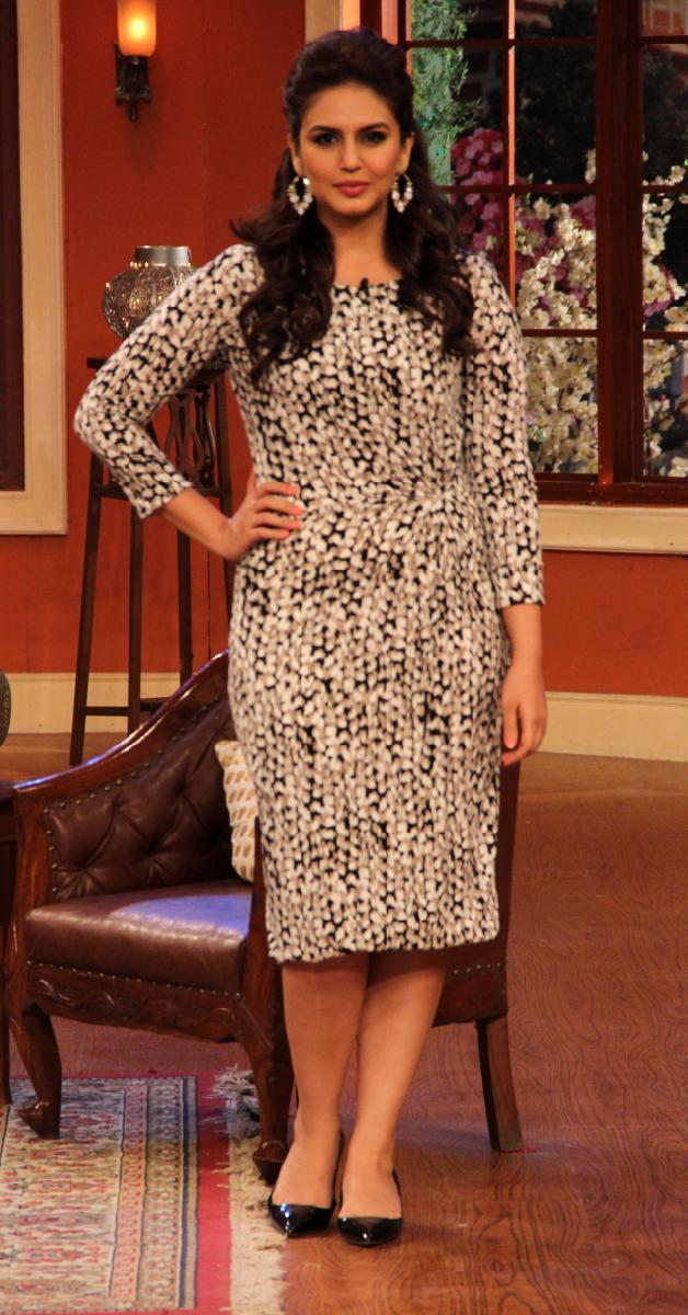 Huma Qureshi Promote Dedh Ishqiya On The Sets Of Comedy Nights With Kapil In Filmcity