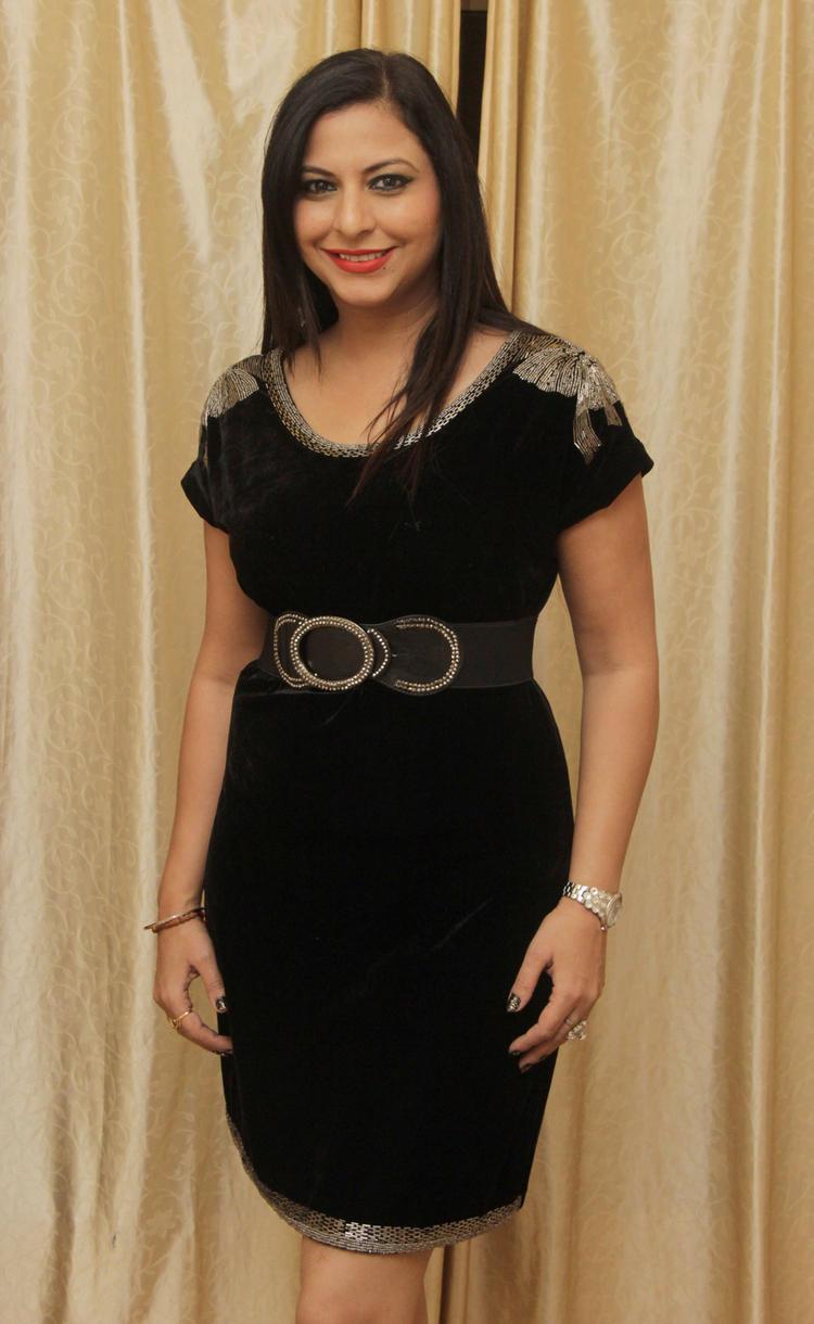 Gurpreet Kaur Chadha Glamour Look In Black Attier At Her Birthday Bash