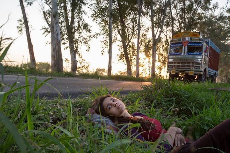 Alia Bhatt Sleeping Pose Shoot For Her Next Film Highway