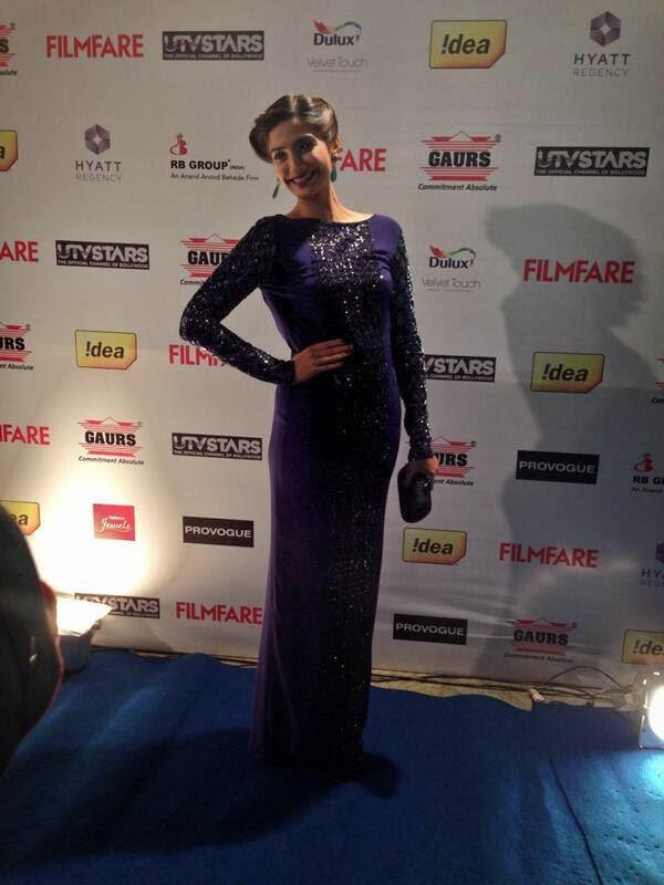 The Gorgeous Sonam Kapoor In Blue Gown At Filmfare Pre-Awards Bash