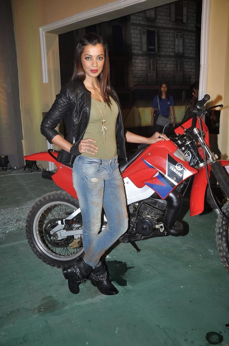 Mugdha Godse Hot Look Pose At The Launch Of Fear Factor – Khatron Ke Khiladi Season 5