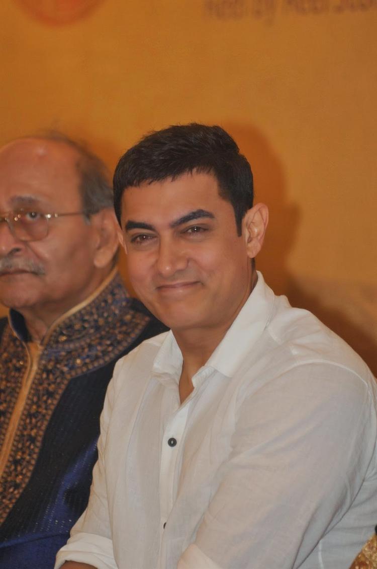 Aamir Khan Is Seen Here Launching Sagar Movietone Written By Author Biren Kothari