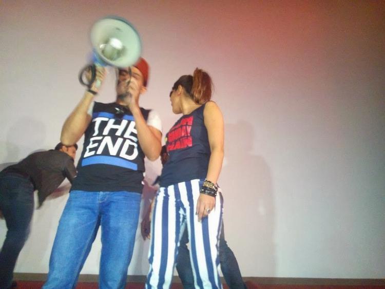 Ranveer Singh And Priyanka Chopra Cool Funny Look At Gaiety Theatre