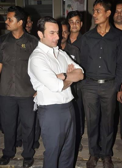 Saif Ali Khan Dazzling Look At Randhir Kapoor's Birthday Bash