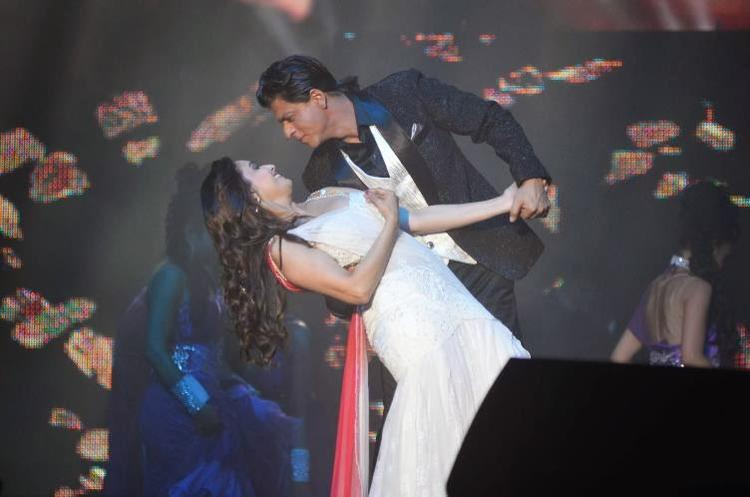 Madhuri Dixit And SRK Romantic Look At Temptation Reloaded 2014 In Malaysia