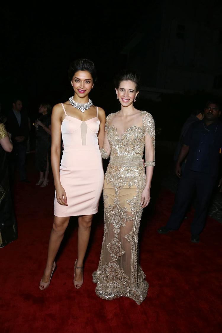Deepika Padukone And Kalki Koechlin Posed In Red Carpet At The 5th Anniversary Of Harper's Bazaar