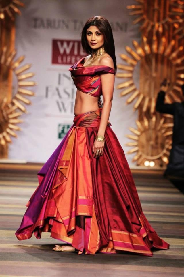 Shilpa Shetty Dazzled On Ramp At WLIFW Autumn Winter 2014