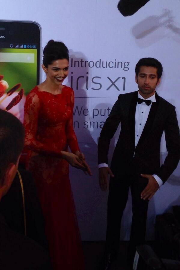 Deepika Padukone And Nakuul Mehta Nice Look At The 15th IIFA 2014 Awards