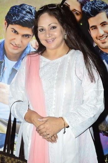 Rati Agnihotri Sweet Smile Pic At The Special Screening Of Purani Jeans